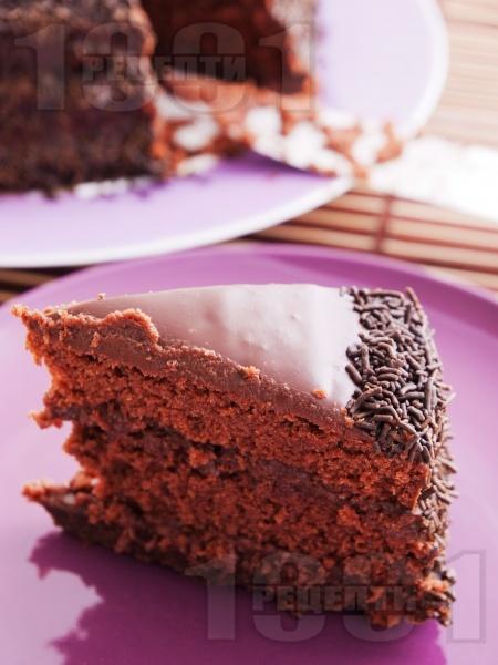 Домашна шоколадова торта - снимка на рецептата